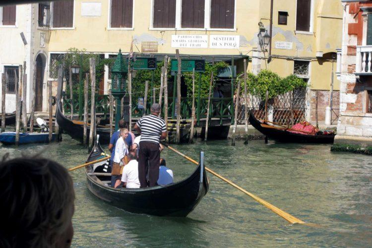 Ta bussen i Venezia
