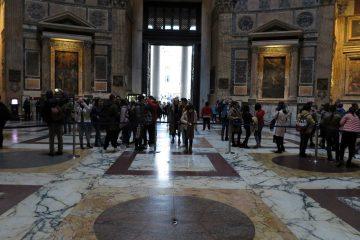 Innsiden av Pantheon er meget mer imponerende enn utsiden